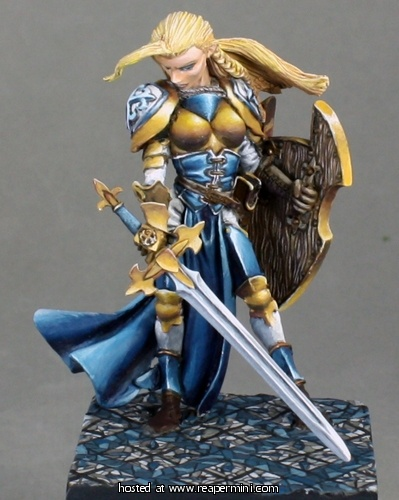 Finari, Female Crusader